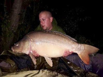 Dean Finch 33lb 10 Pokernut Over A Spread Of Meaty Mite And Pokernut H Dec(1)