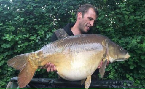 Terry Tsoulouhopoulos - 45lb - Caught Over CherryCarps Particle Range