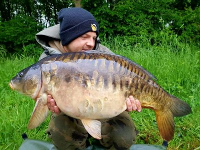 Carl Powell 25lb 13oz Meatymite(1)